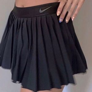 Xs NWOT Nike pleated summer victory tennis skirt
